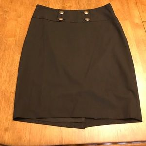 Black pencil skirt size 6. Cute fit.